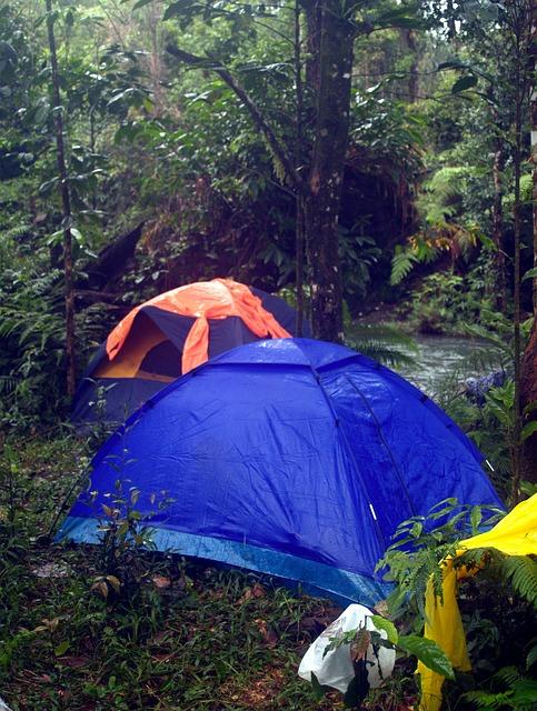 camping-142307_640