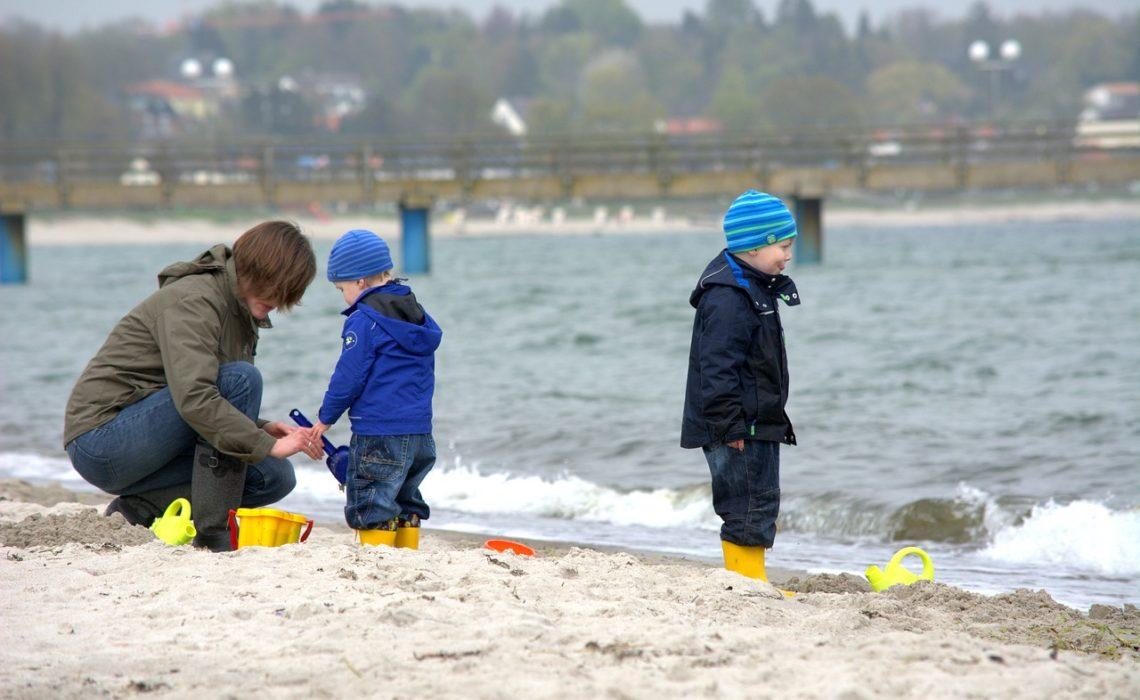 Jesienne wakacje z dzieckiem nad morzem