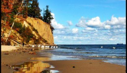 Dlaczego warto jechać nad morze jesienią?