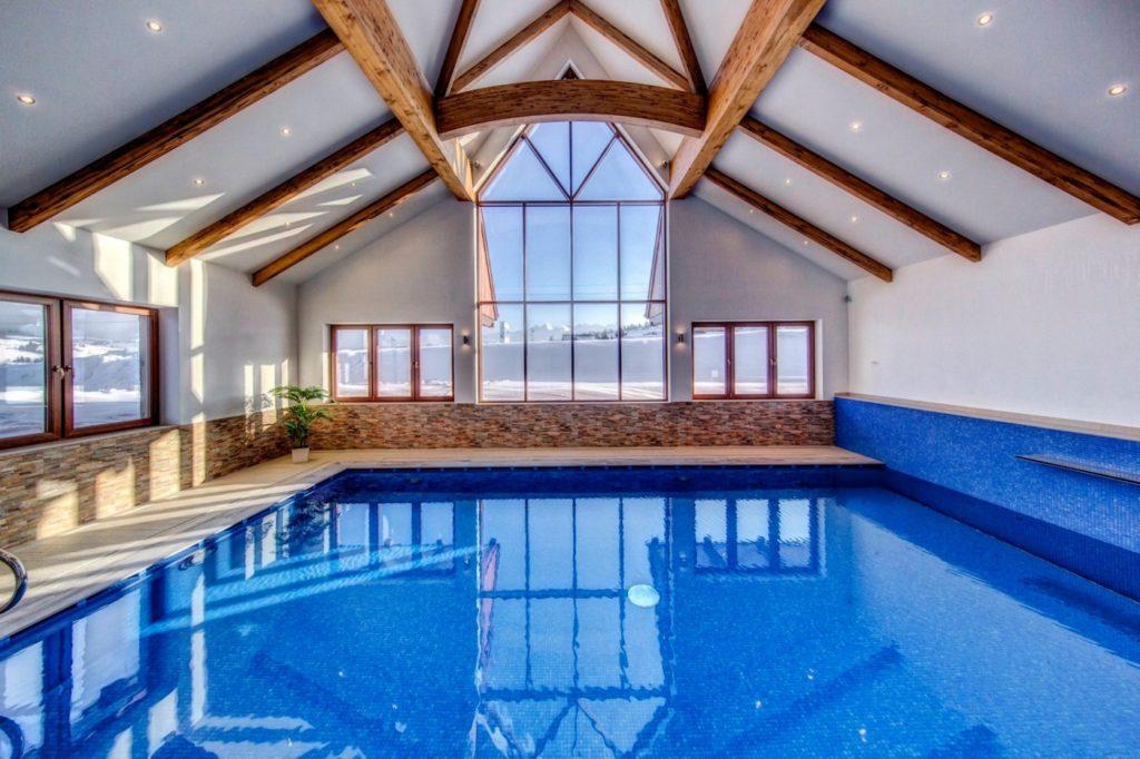 Kaniówka Ski Resort - basen